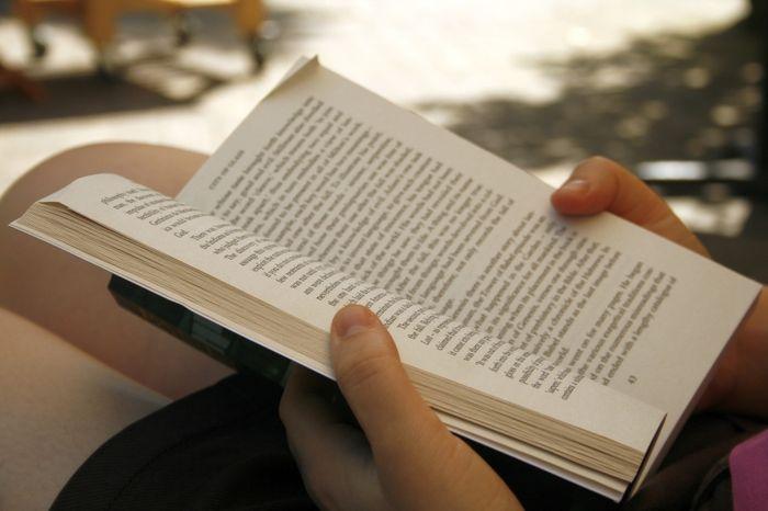 Děti prý nečtou. Ale čtou jejich rodiče?